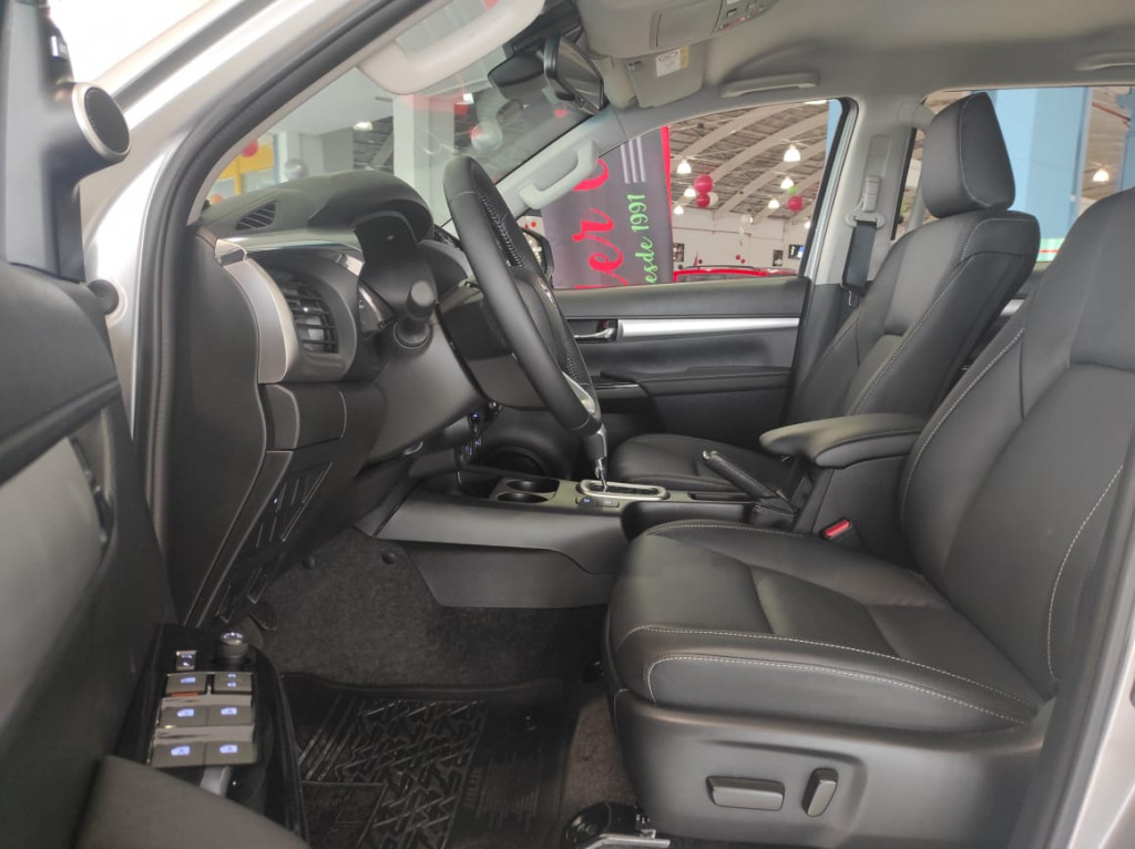 Imagem do veículo HILUX 2.8 SRX 4X4 CD 16V DIESEL 4P AUTOMÁTICO