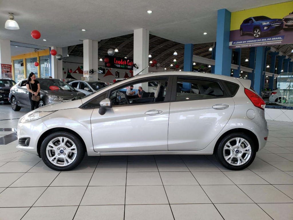 Imagem do veículo FORD FIESTA 1.6 SE HATCH 16V FLEX 4P MANUAL