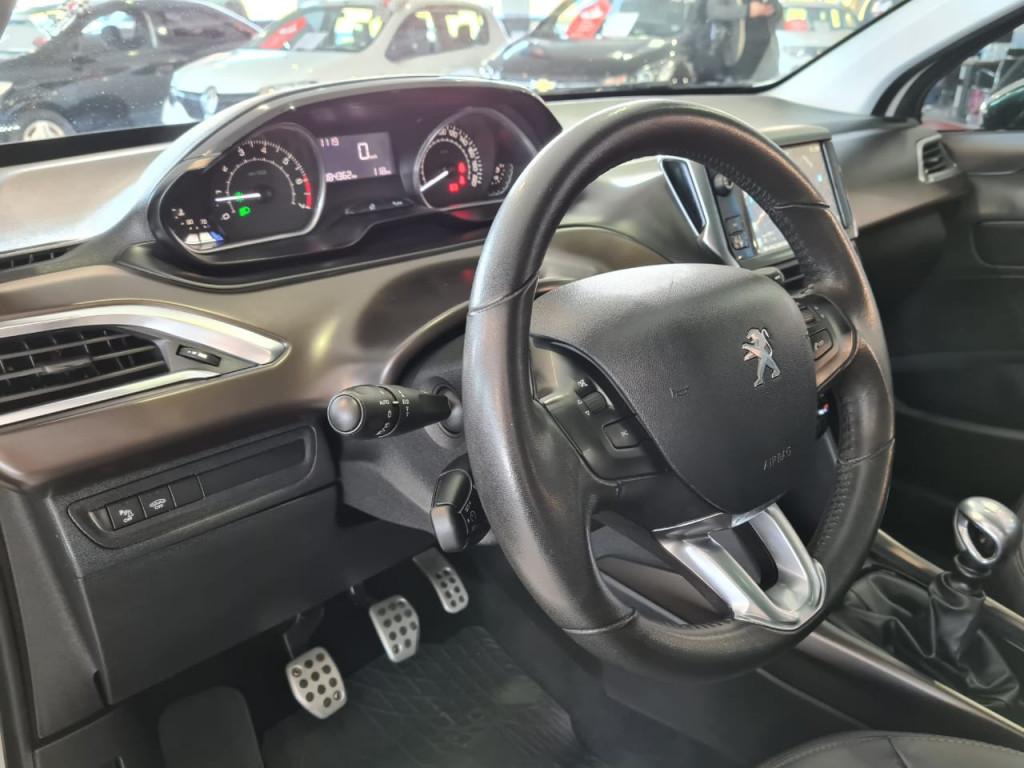 Imagem do veículo PEUGEOT 2008 1.6 16V THP FLEX GRIFFE 4P MANUAL