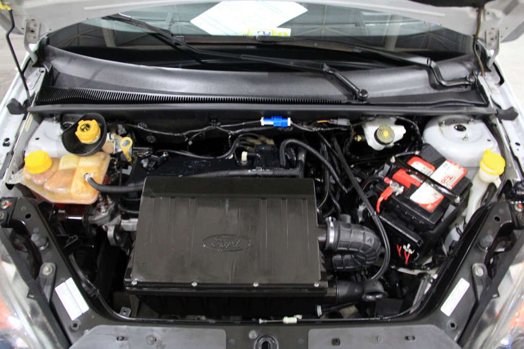 Imagem do veículo FORD FIESTA 1.0 MPI 8V GASOLINA 4P REPASSE