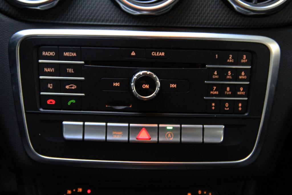 Imagem do veículo MERCEDES-BENZ GLA 200 1.6 CGI STYLE 16V TURBO FLEX 4P AUTOMÁTICO