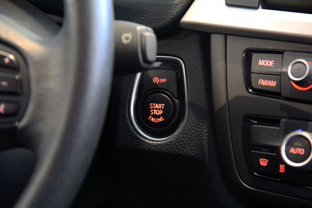 Imagem do veículo BMW 320i 2.0 16V TURBO GASOLINA 4P AUTOMÁTICO
