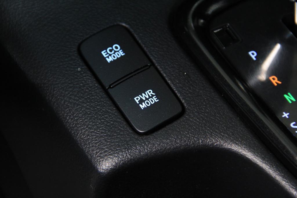Imagem do veículo TOYOTA HILUX 2.8 SRX 4x4