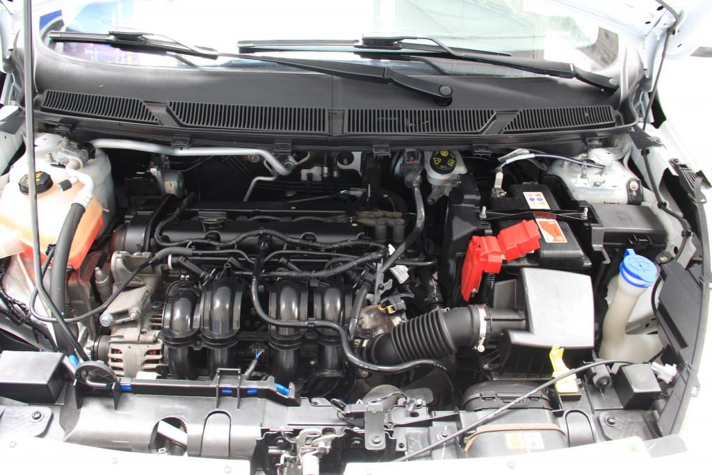 Imagem do veículo FORD KA 1.5 TI-VCT FLEX SE SEDAN MANUAL