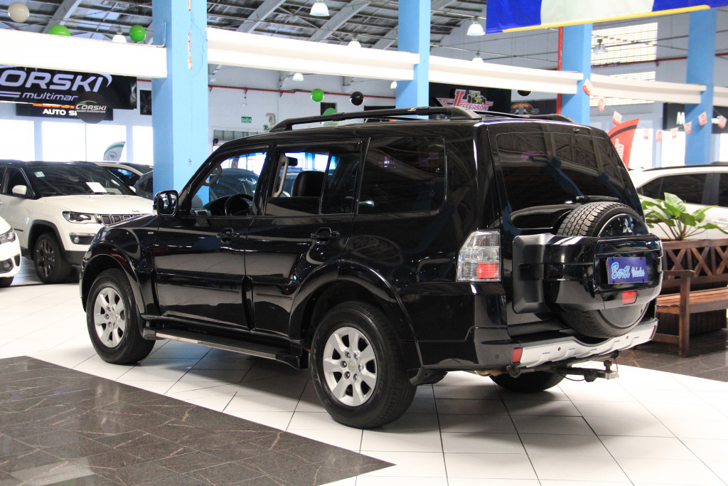 Imagem do veículo MITSUBISHI PAJERO FULL 3.8 GLS 4X4 V6 24V GASOLINA 4P AUTOMÁTICO