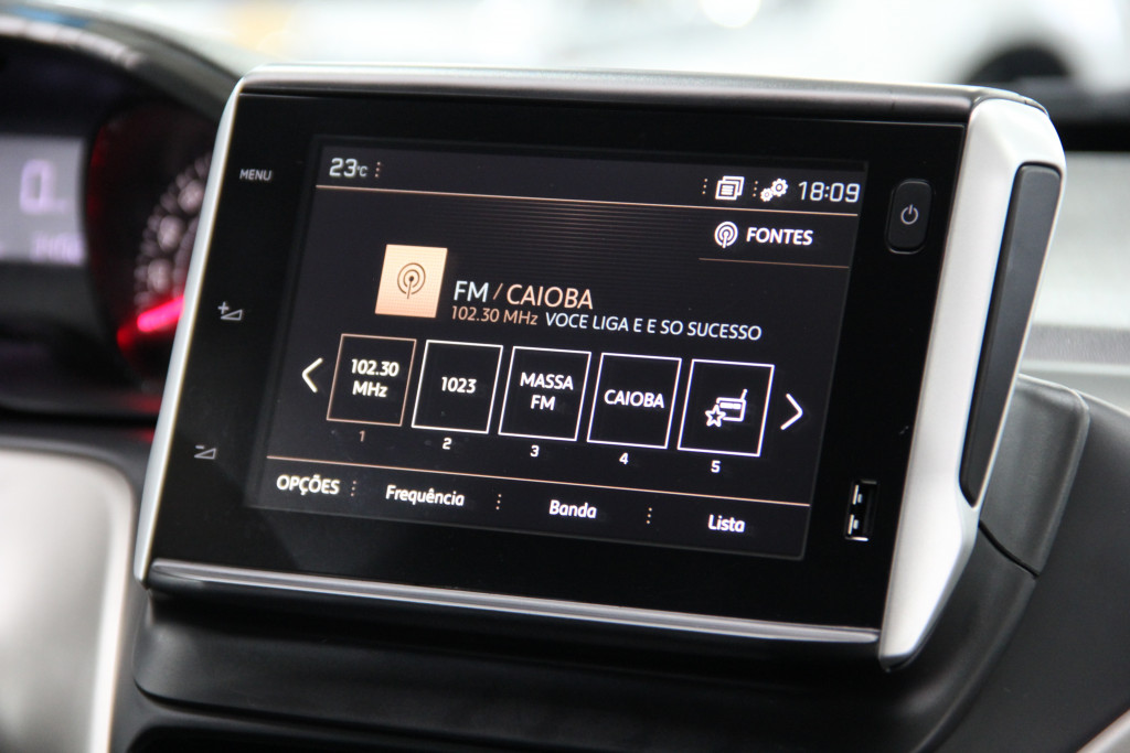 Imagem do veículo PEUGEOT 2008 1.6 16V FLEX STYLE 4P AUTOMÁTICO