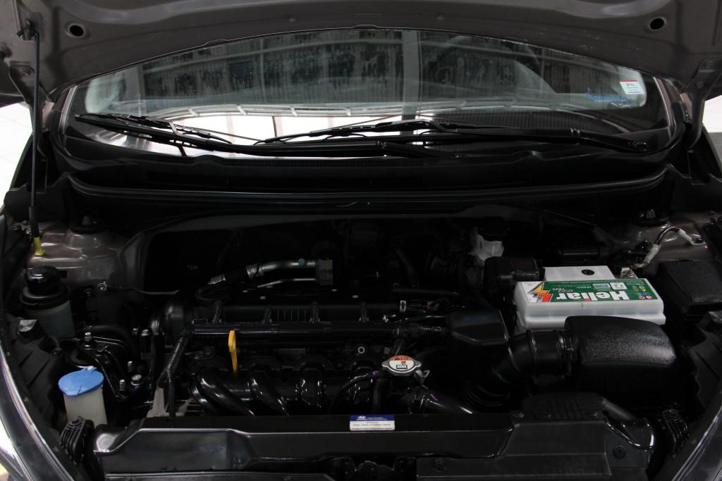 Imagem do veículo HYUNDAI HB20S 1.6 COMFORT STYLE 16V FLEX 4P MANUAL