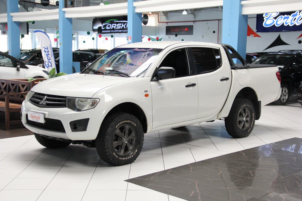 MITSUBISHI L200 TRITON 3.2 GLX 4X4 CD 16V TURBO INTERCOLER DIESEL 4P MANUAL