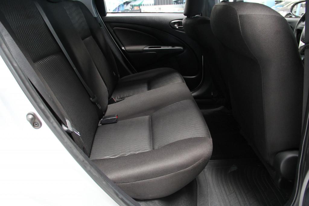 Imagem do veículo TOYOTA ETIOS 1.5 x sedan 16v flex 4p manual