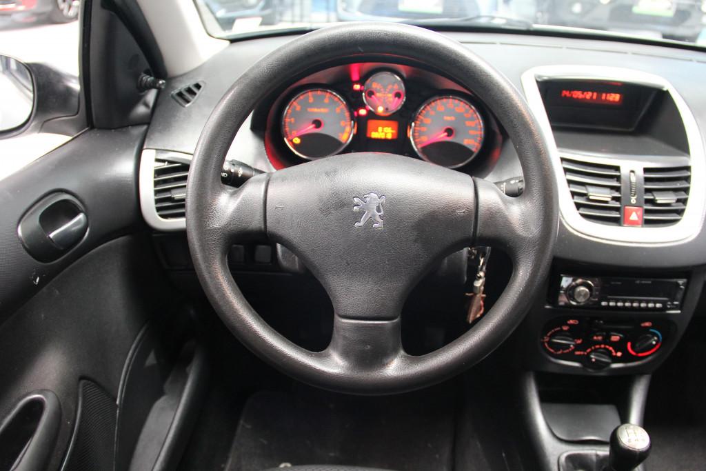 Imagem do veículo PEUGEOT 207 1.4 xr passion 8v flex 4p manual