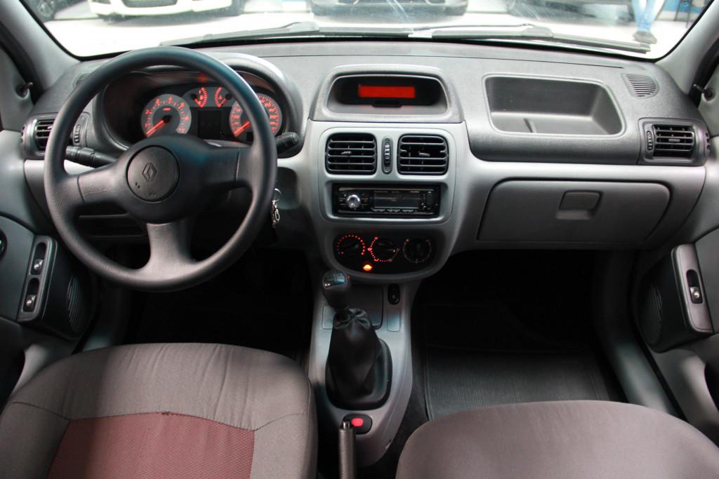 Imagem do veículo RENAULT CLIO 1.6 AUTHENTIQUE 16V GASOLINA 4P MANUAL