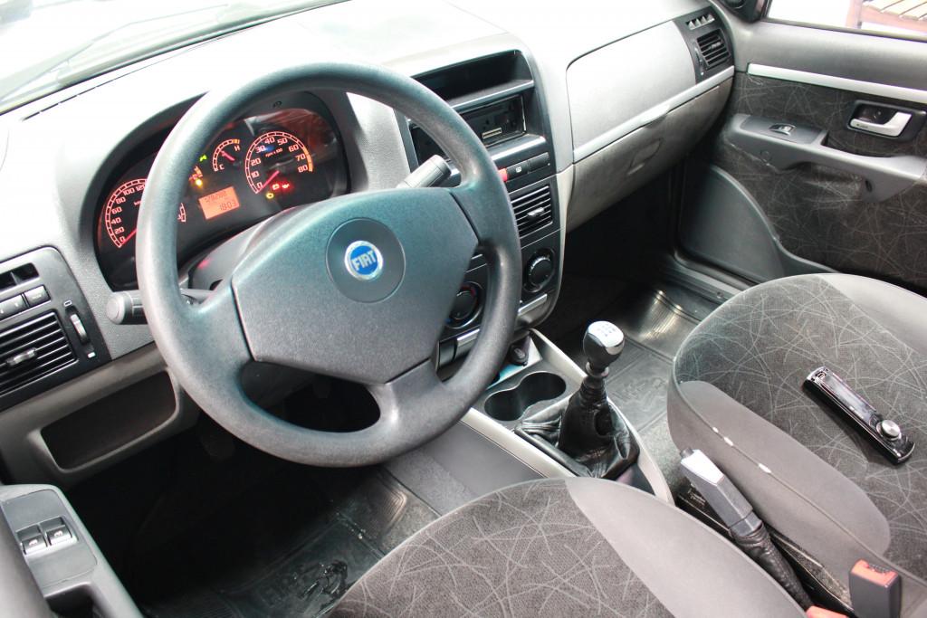 Imagem do veículo FIAT PALIO 1.8 MPI HLX WEEKEND 8V FLEX 4P MANUAL