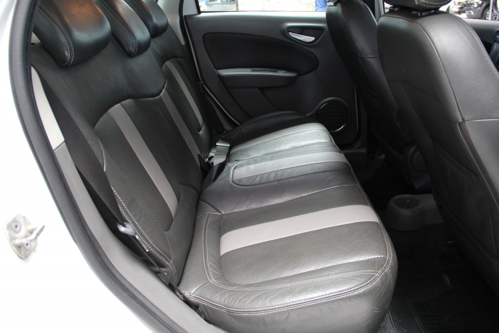 Imagem do veículo FIAT GRAND SIENA 1.6 MPI ESSENCE 16V FLEX 4P AUTOMATIZADO