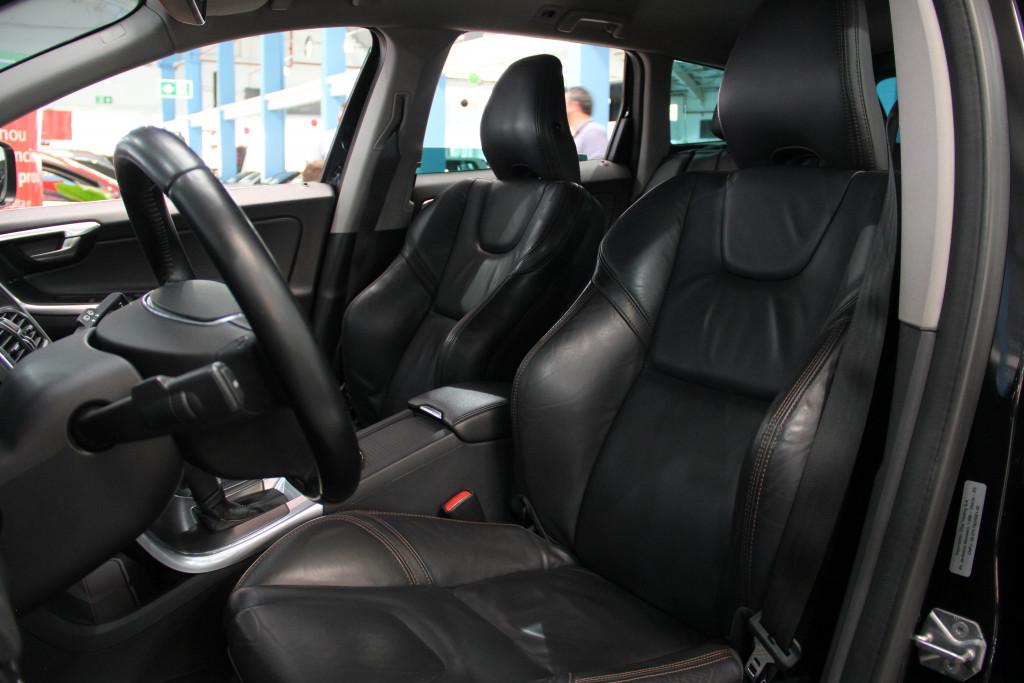 Imagem do veículo VOLVO XC60 2.0 T5 DYNAMIC FWD TURBO GASOLINA 4P AUTOMÁTICO