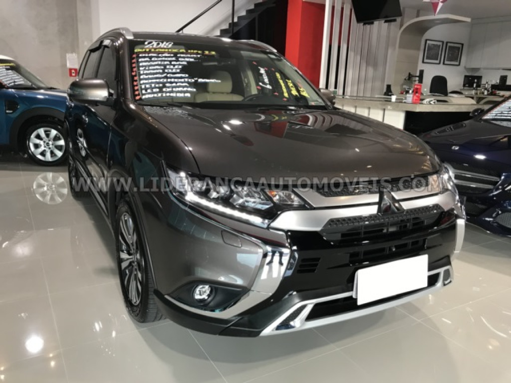 MITSUBISHI OUTLANDER 2.2 DI-D DIESEL HPE-S AWD AUTOMÁTICO (7LUGARES ) (2019)