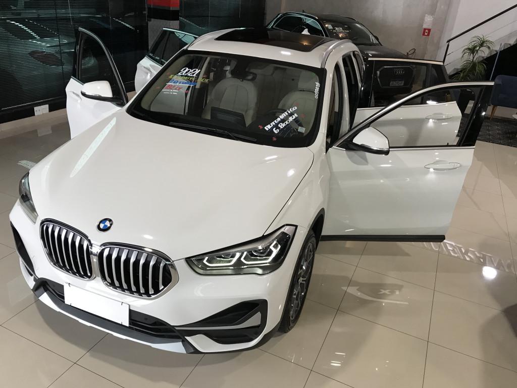 Imagem do veículo BMW X1 2.0 16V TURBO ACTIVEFLEX SDRIVE20I X-LINE 4P AUTOMÁTICO