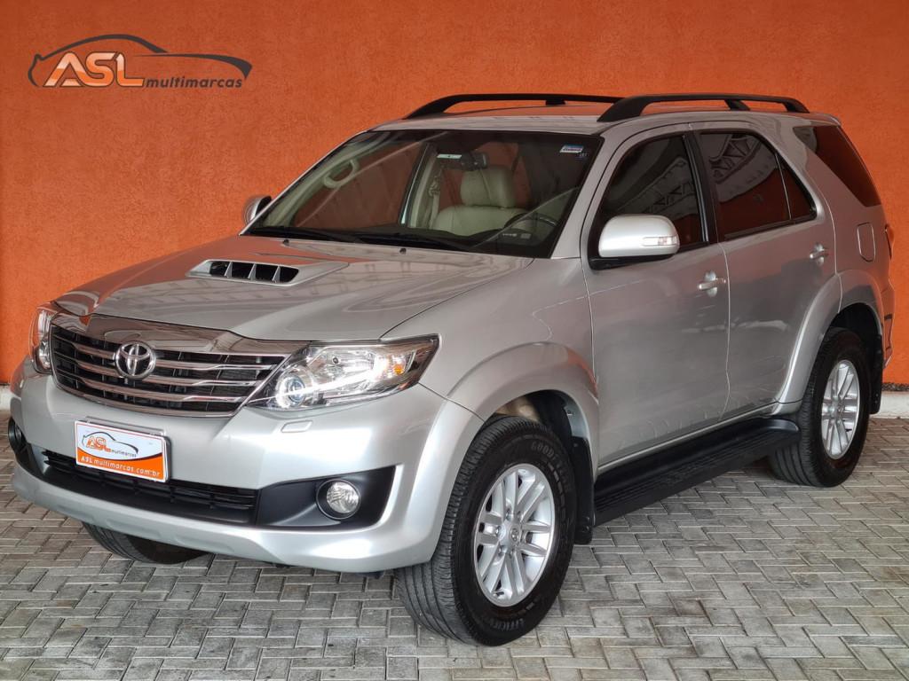 Toyota Hilux Sw4 3.0 16v 4x4 Aut 7 Lugares