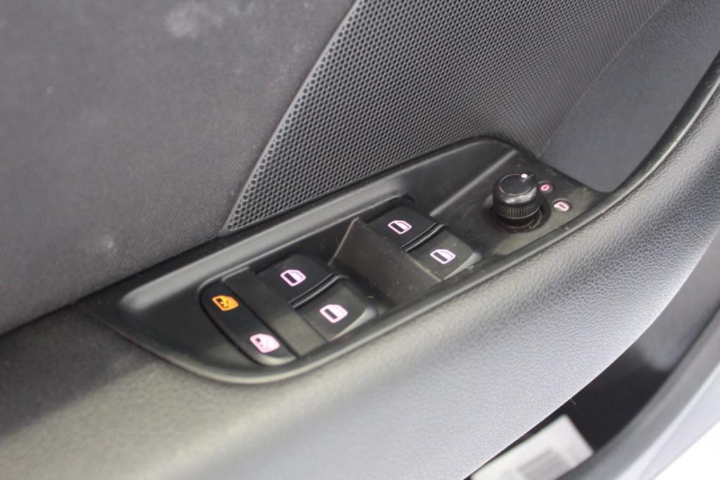 Imagem do veículo Audi A3 1.8 Tfsi Sportback Ambition 16v 4p Aut