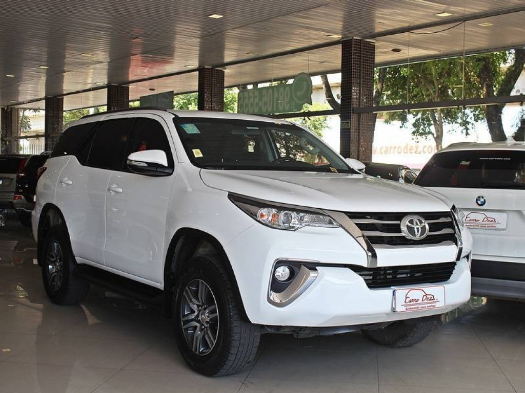 Toyota Hilux SW4 SR 2.7 4P 2017 AT