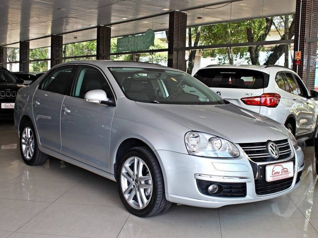 VOLKSWAGEN JETTA 2.5 4P GASOLINA AT