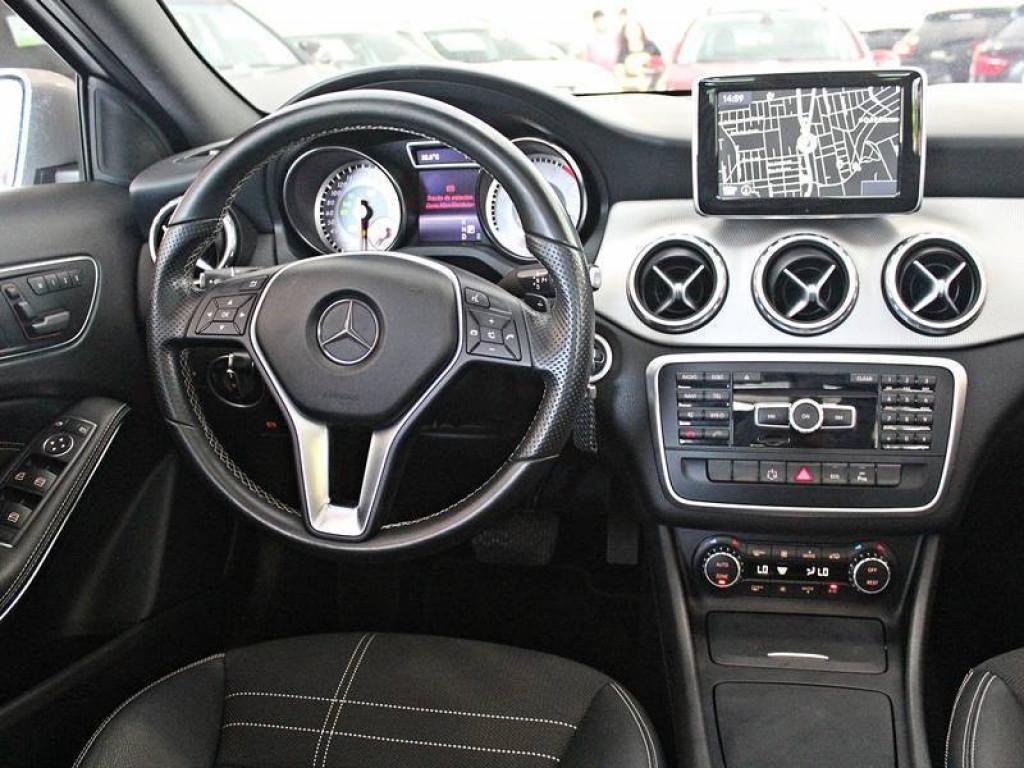 Imagem do veículo Mercedes Benz GLA 200 1.6 Vision AT 2015