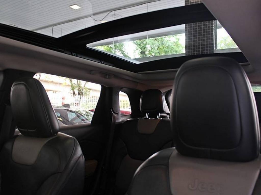 Imagem do veículo Jeep Cherokee Limited 3.2 v6 4X4 AT 2014