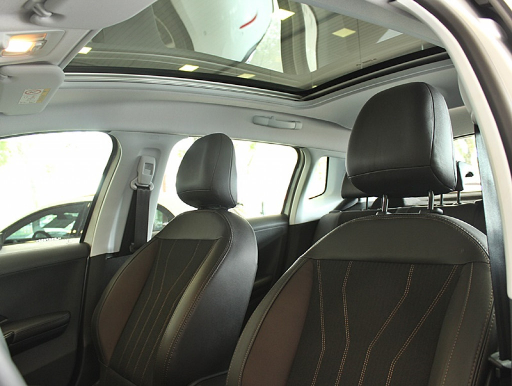 Imagem do veículo PEUGEOT 2008 1.6 GRIFFE THP 4P FLEX AUT