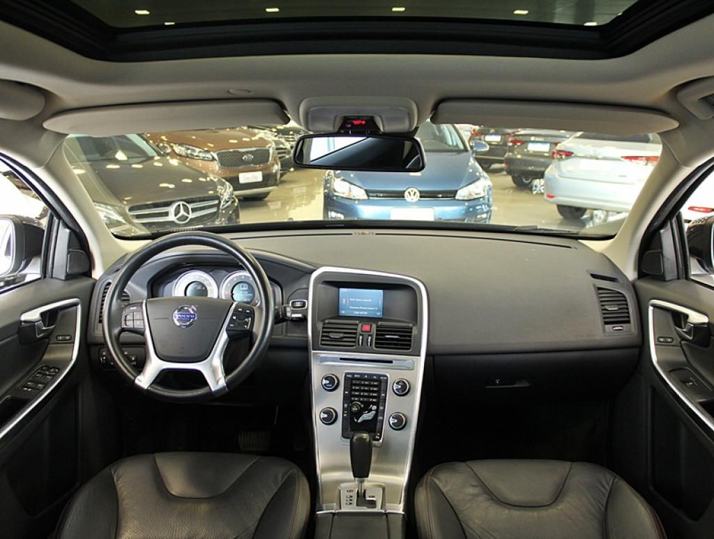 Imagem do veículo VOLVO XC60 2.0 T5 DYNAMIC FWD TURBO 4P GASOLINA AUT