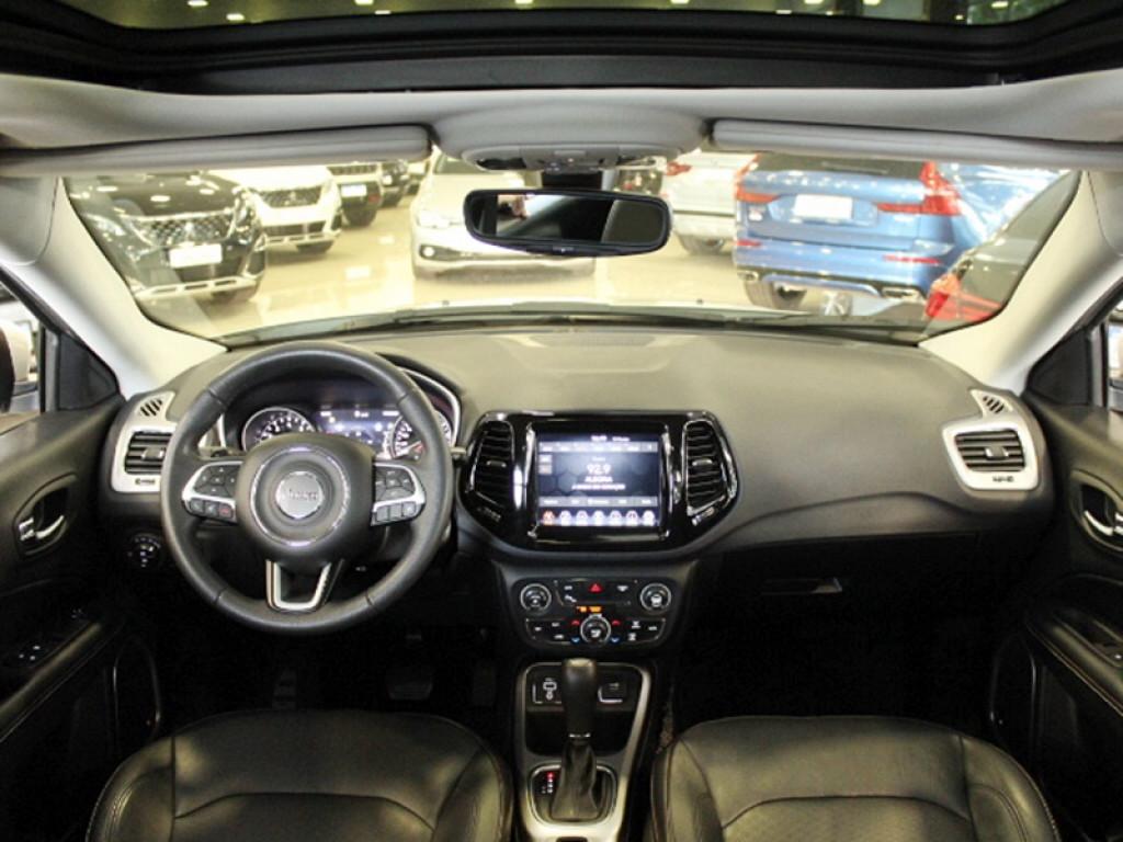 Imagem do veículo JEEP COMPASS 2.0 FLEX LONGITUDE AUT