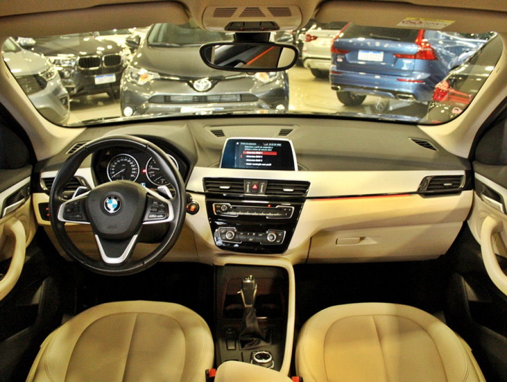 Imagem do veículo BMW X1 2.0 ACTIVEFLEX 20I 4P AUT