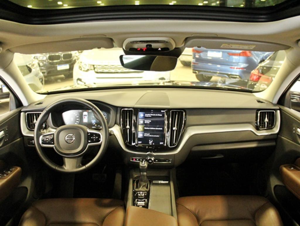 Imagem do veículo VOLVO XC60 2.0 T5 MOMENTUM 4P GASOLINA AUT