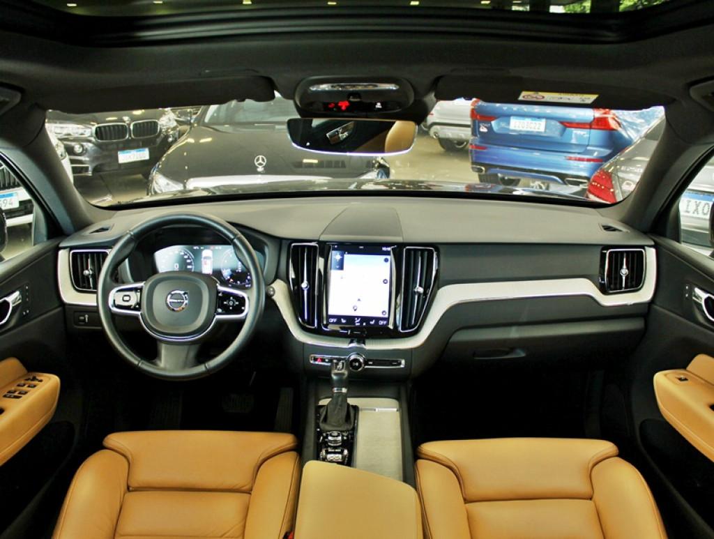 Imagem do veículo VOLVO XC60 2.0 T5 INSCRIPTION 4P GASOLINA AUT