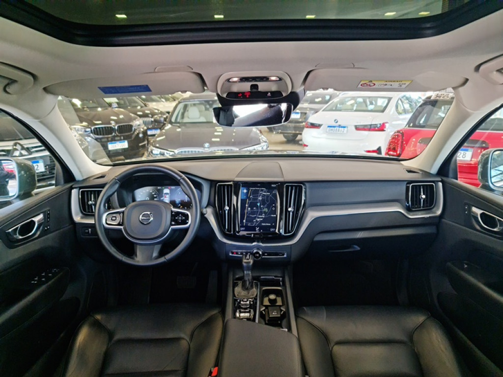 Imagem do veículo VOLVO XC60 2.0 D5 MOMENTUM AWD 4P DIESEL AUT