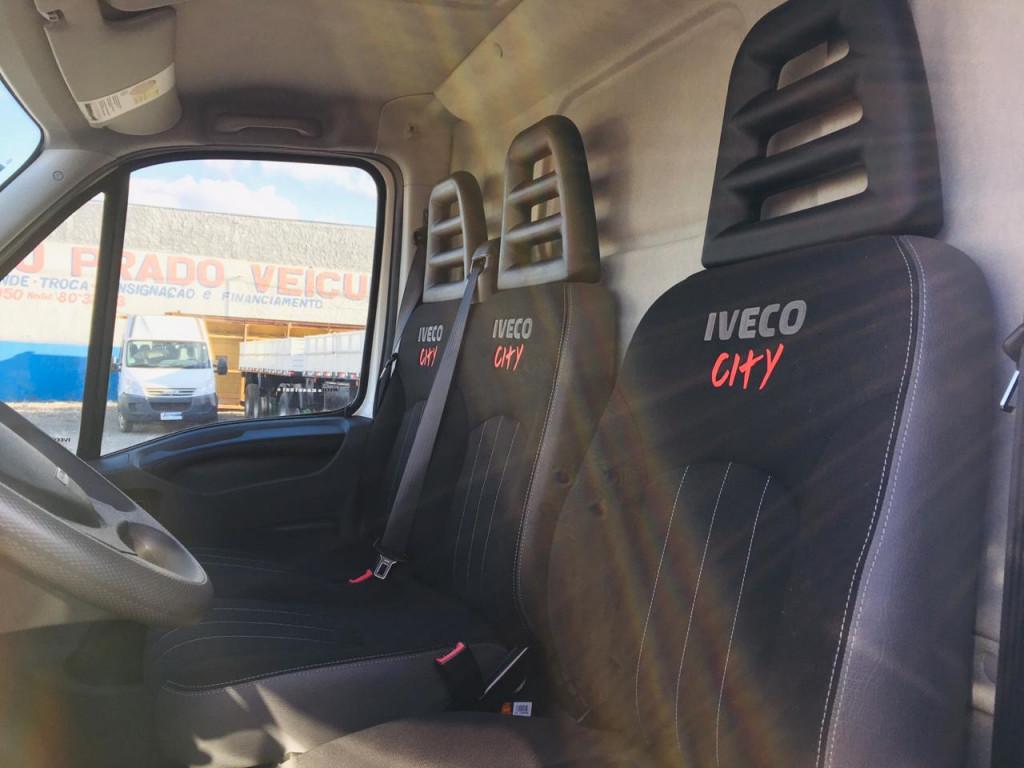Imagem do veículo Iveco Daily Furgão City 30S13 4P