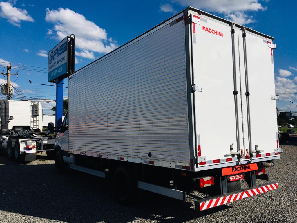 Imagem do veículo Iveco Daily Furgão 70c17