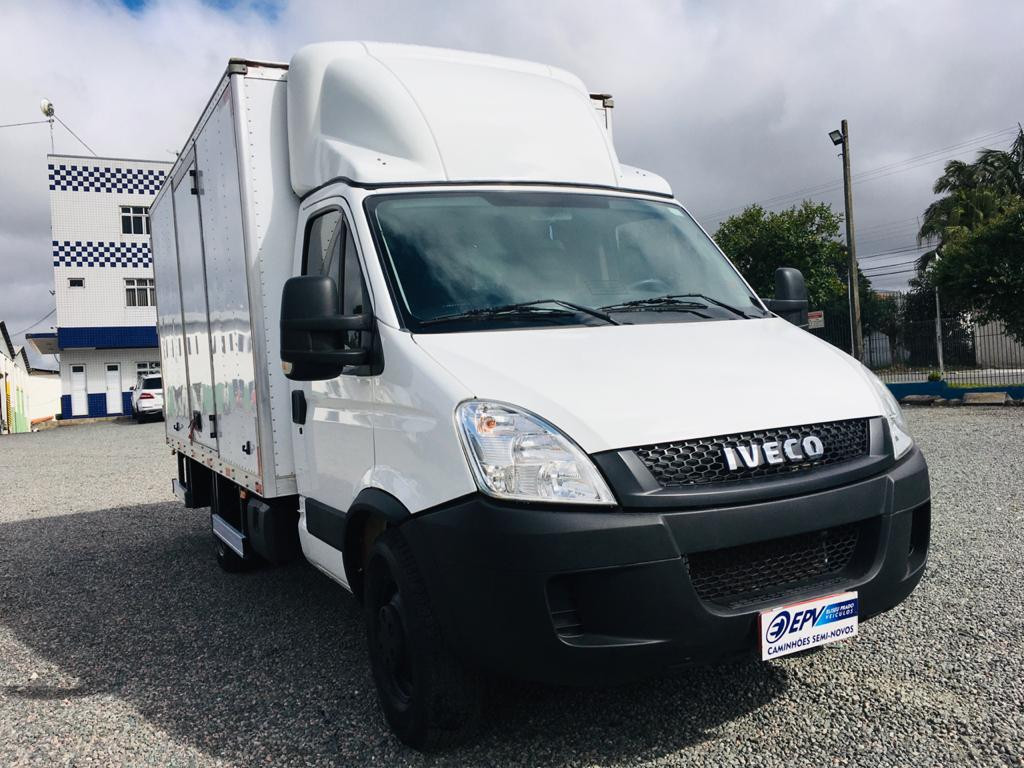 Imagem do veículo Iveco Daily Chassi 35S14 CD 4P