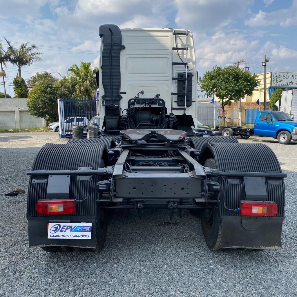 Imagem do veículo VOLVO FH 440 Globetrotter 6x2 i-Shift