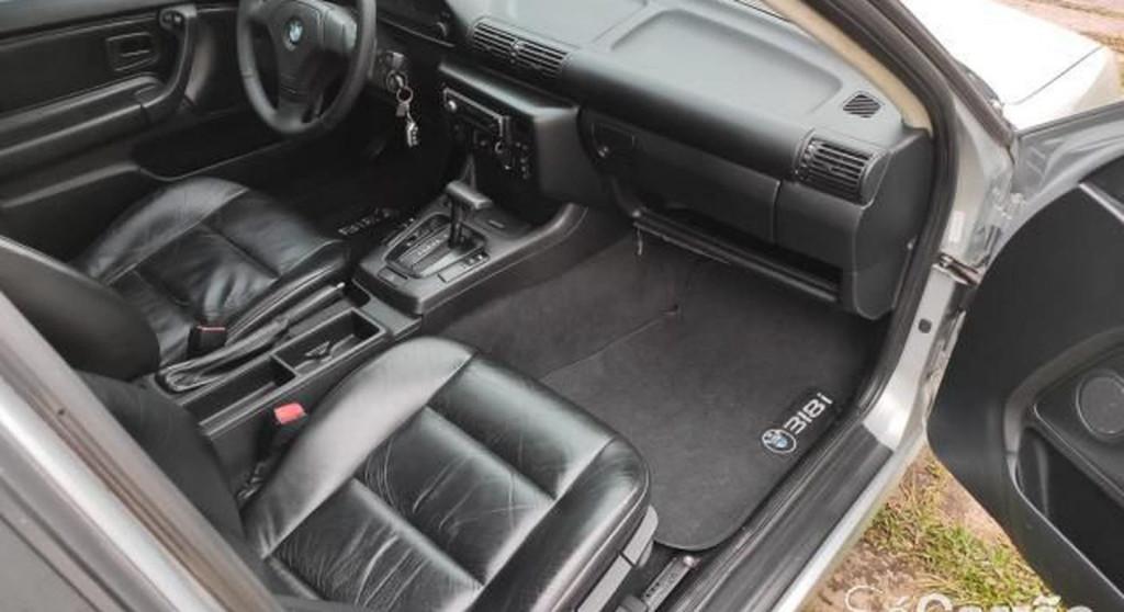 Imagem do veículo BMW 318i 2.0 SPORT 16V GASOLINA 4P AUTOMÁTICO