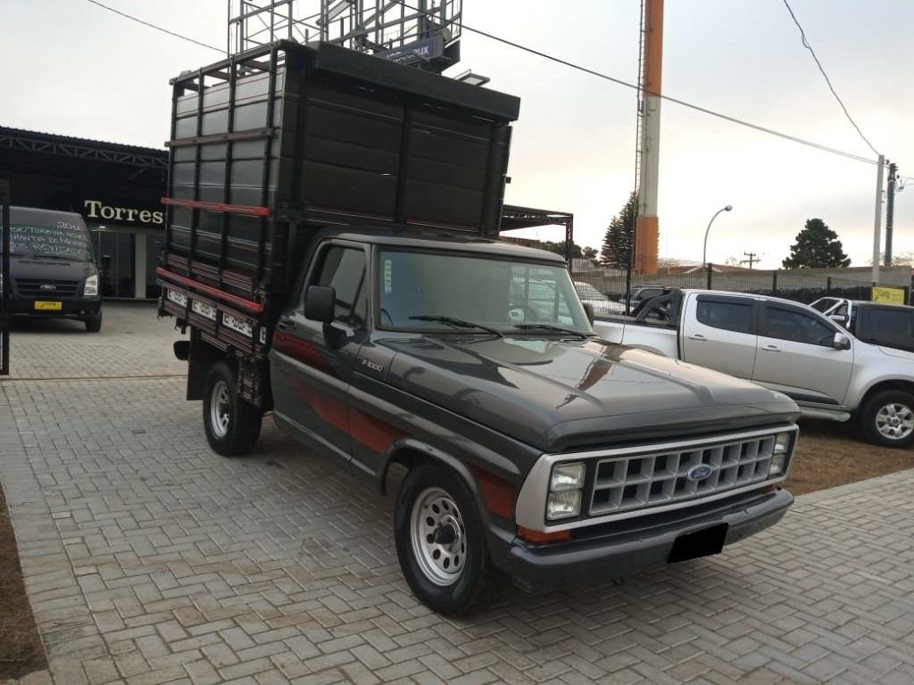 FORD F-1000 DIESEL 2P MANUAL