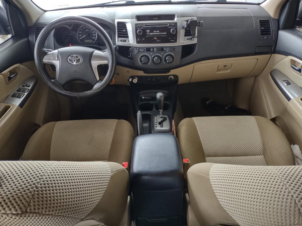 Imagem do veículo TOYOTA HILUX SW4 2.7 SR 4X2 16V FLEX 4P AUTOMÁTICO
