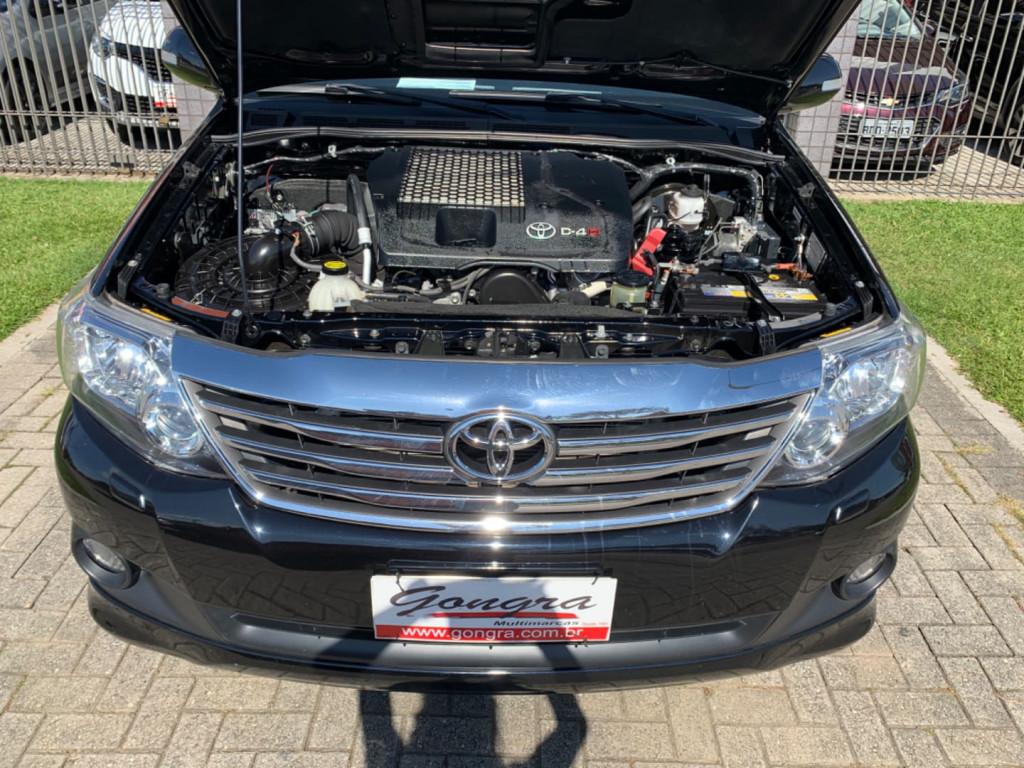 Imagem do veículo Toyota Hilux Sw4 Srv 4x4 3.0 Automatico