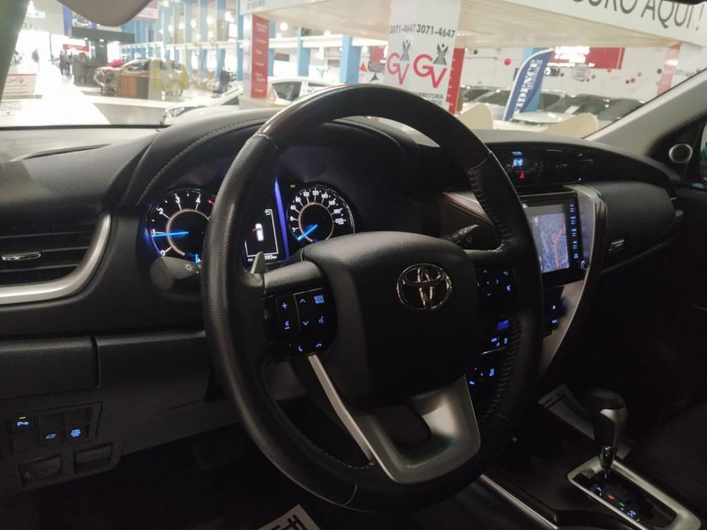 Imagem do veículo Toyota Hilux Sw4 Srx 4x4 2.8 Tdi 16v Dies Aut