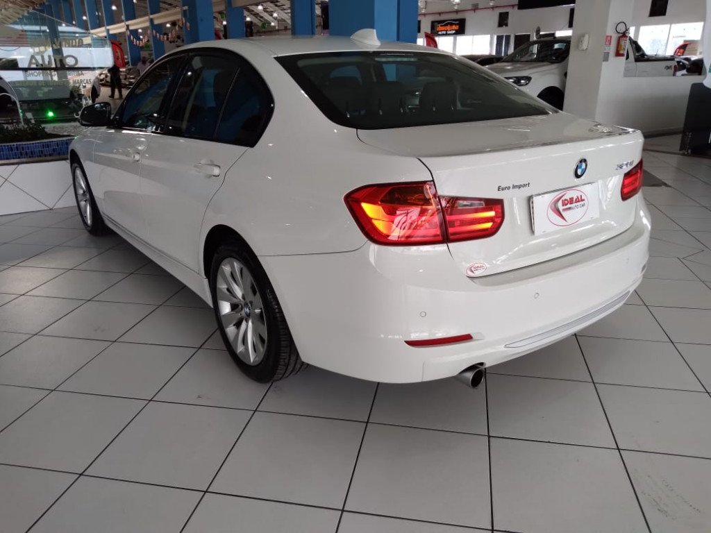 Imagem do veículo BMW 320i 2.0 MODERN 16V TURBO GASOLINA 4P AUTOMÁTICO