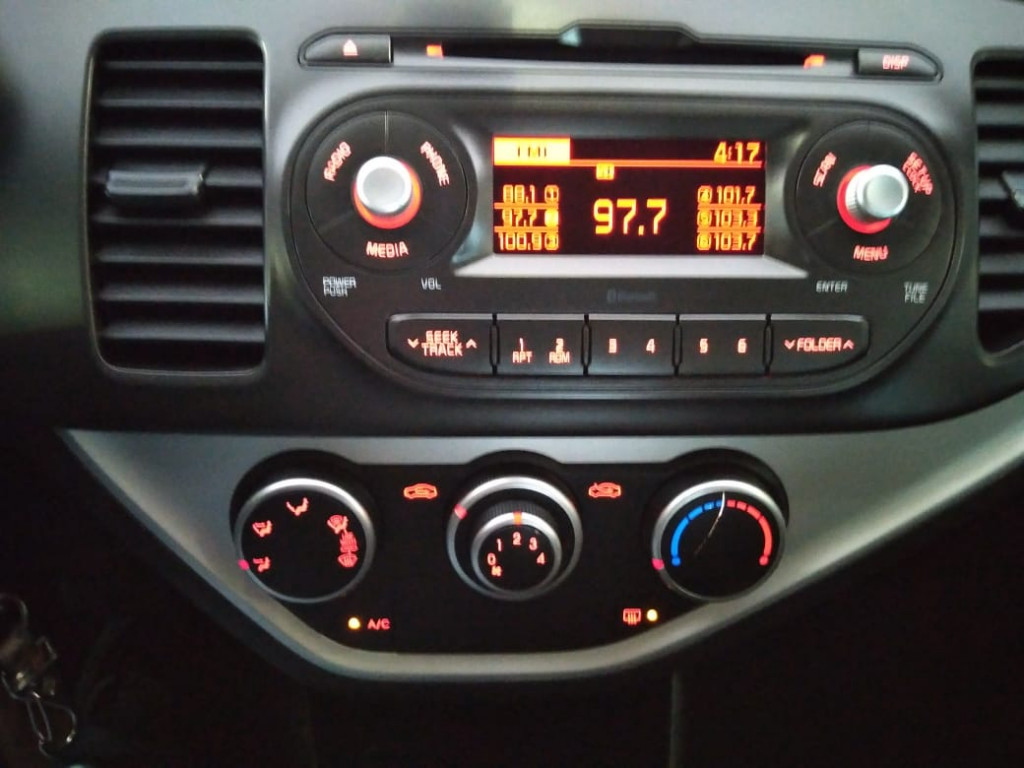 Imagem do veículo KIA PICANTO 1.0 EX 12V FLEX 4P AUTOMÁTICO