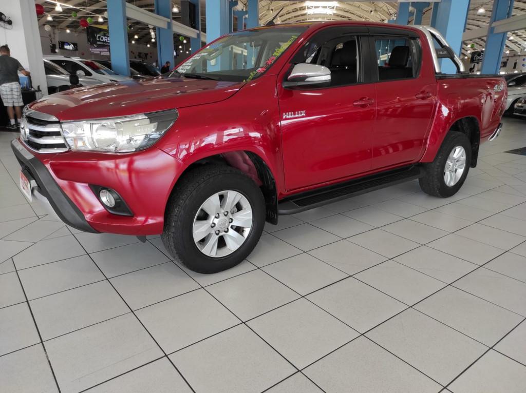Toyota Hilux 2.8 Srv 4x4 Cd 16v Diesel Aut.