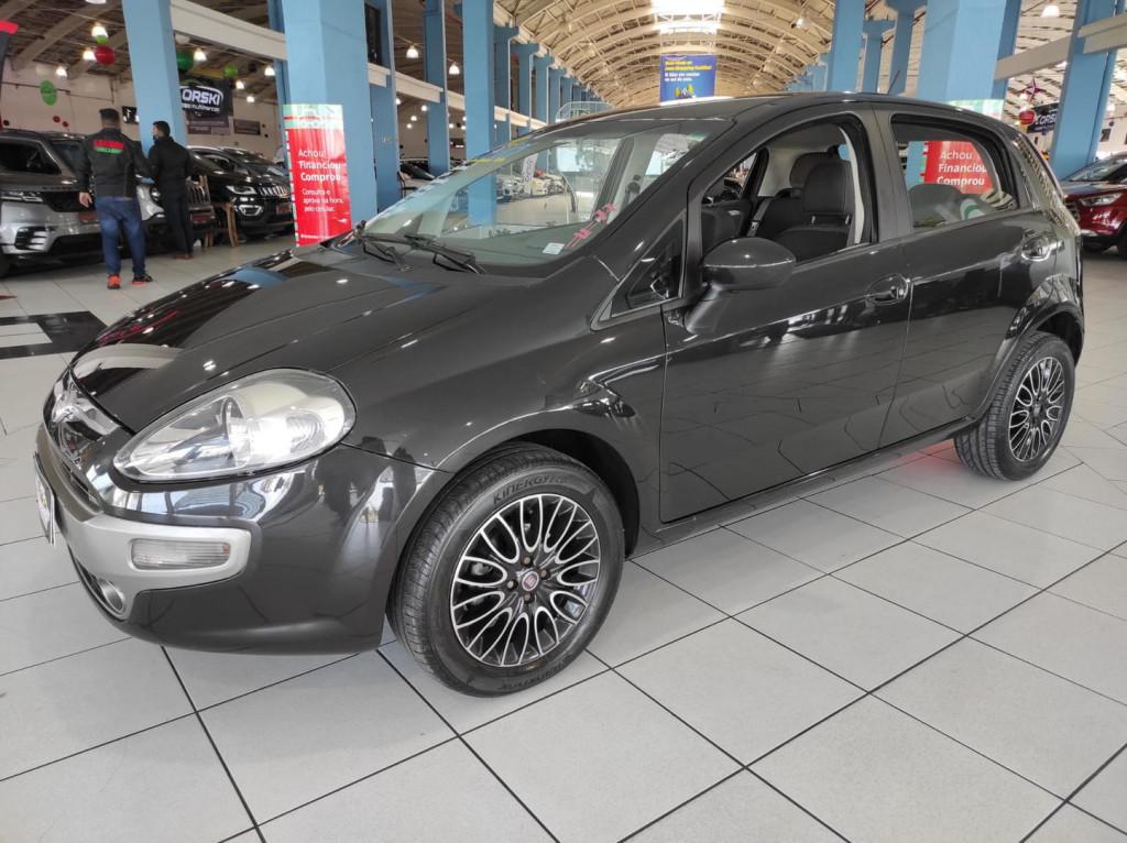 Imagem do veículo Fiat Punto Essence 4p