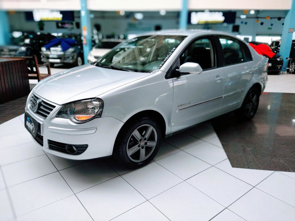 Volkswagen Polo Sedan 1.6 Comfor