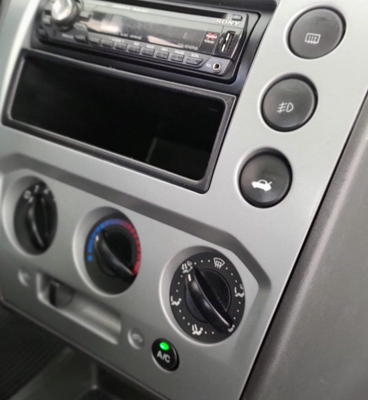 Imagem do veículo FORD FIESTA 1.0 MPI HATCH 8V FLEX 4P MANUAL