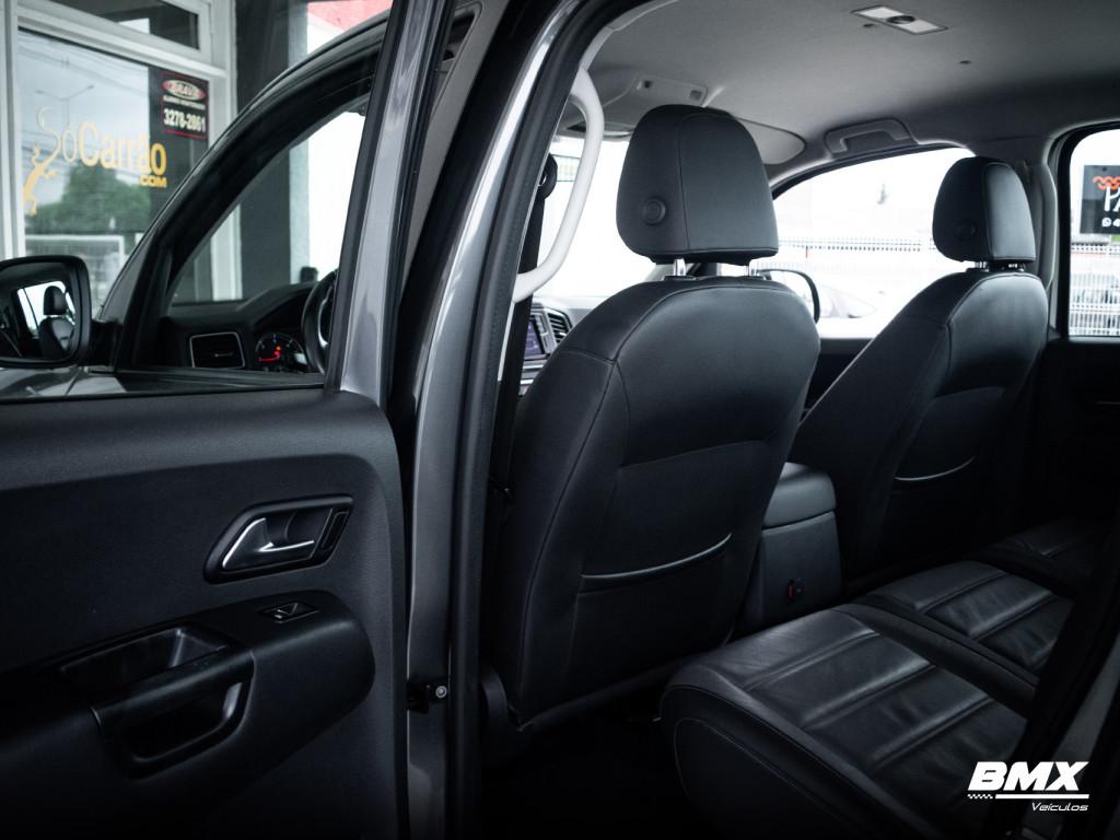 Imagem do veículo VOLKSWAGEN AMAROK 3.0 V6 TDI HIGHLINE CD DIESEL 4MOTION AUTOMÁTICO