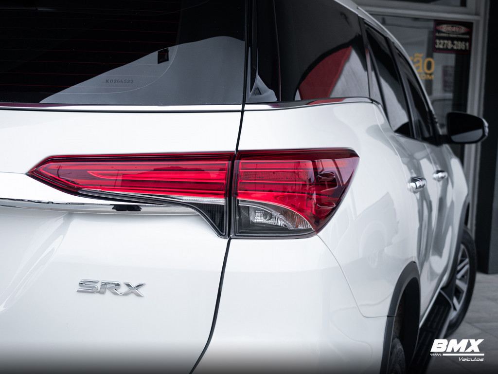 Imagem do veículo TOYOTA HILUX SW4 2.8 SRX 4X4 16V TURBO INTERCOOLER DIESEL 4P AUTOMÁTICO